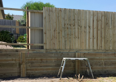 Timber Boundry Fence on Retaining Wall