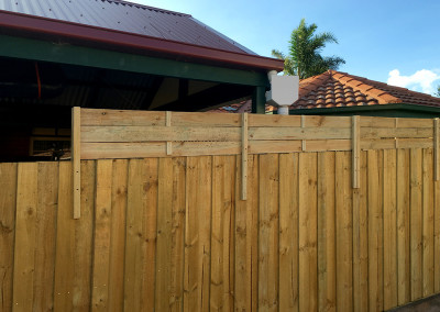 Timber Boundry Fence with Privacy Top Screens