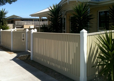 Vertical Capped Timber Picket Fence