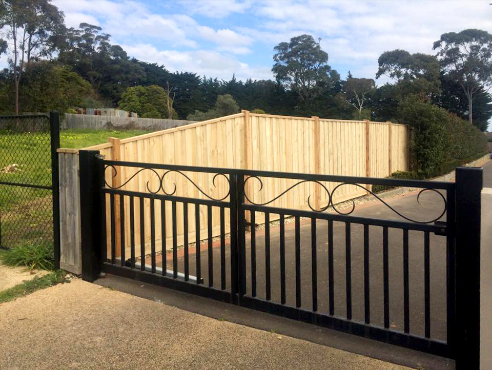 Automated Driveway Gates Call 0403 226 775 For Your Free